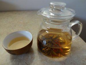 herbata kwitnąca po zaparzeniu